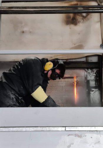 Opening Vuurvaste Wand Bij Extreme Temperaturen - AGC Mol Glasoven